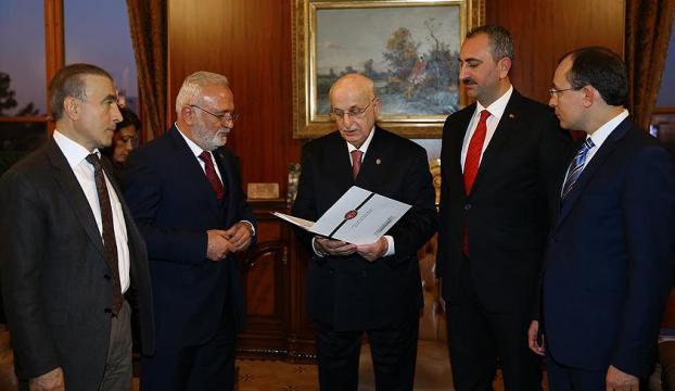 Anayasa değişikliği teklifi Meclise sunuldu
