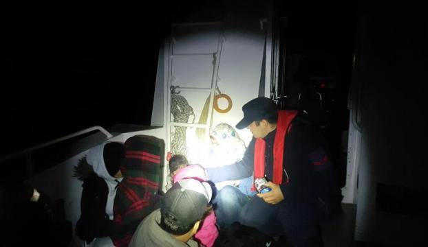 Teknenin motoru arızalanınca yakalandılar