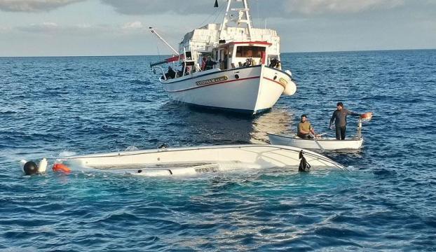 Ege Denizinde sığınmacı teknesi battı: 5 ölü