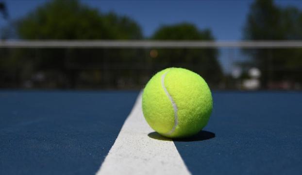 Milli tenisçi Çağla Büyükakçay, İsviçrede çeyrek finale yükseldi