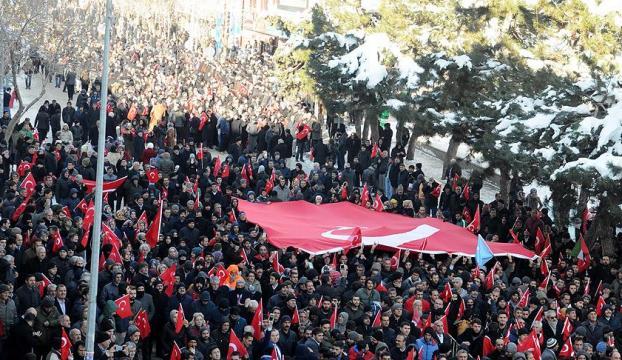 Bingöl, Van, Hakkari ve Mardinde binlerce vatandaş terörü lanetledi