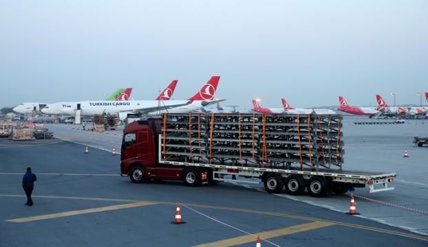 İlk tırlar İstanbul Havalimanında