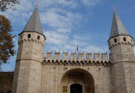 Topkapı Sarayı'nın çatısındaki kurşun levhalar yenileniyor