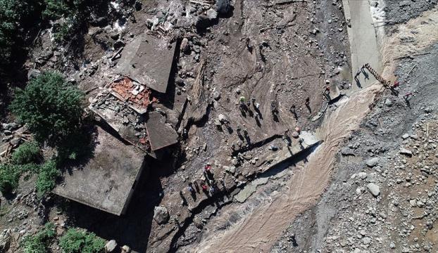 Trabzonda sel, kayıplar için ekipler çalışıyor