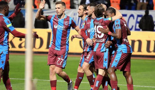 Trabzonsporun sahasında geçit zor