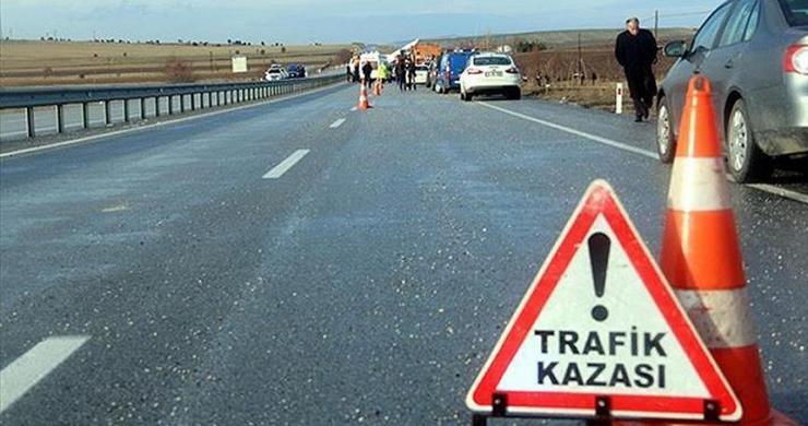 AK Parti milletvekillerinin bulunduğu konvoyda kaza: 4 yaralı