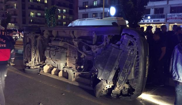 Manisada otomobille kamyonet çarpıştı: 4 yaralı