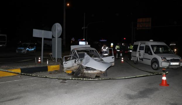 Muğlada iki otomobil çarpıştı: 1 ölü, 2 yaralı