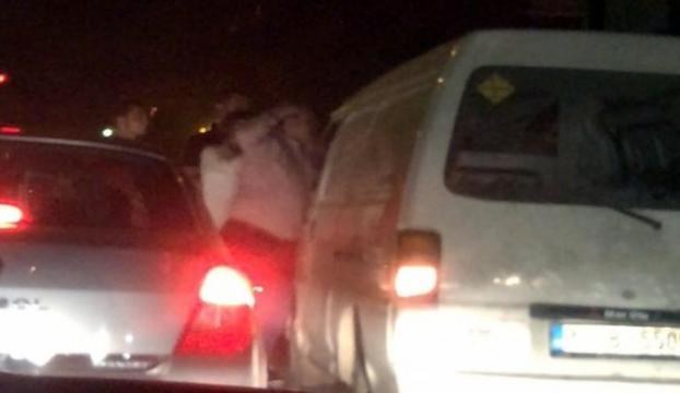 Trafikte yumruklu kavga