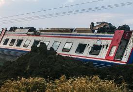 Kazadan sonra tren seferleri yeniden başladı
