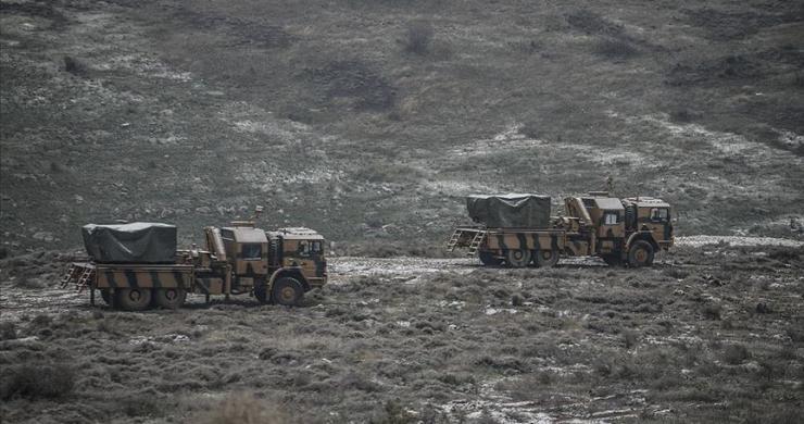 TSK, çok namlulu roketatarları Suriye sınırına yerleştirdi