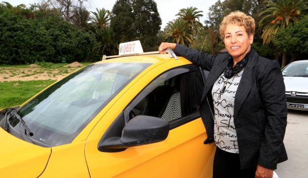 Tunusun 32 yıllık kadın taksi şoförü