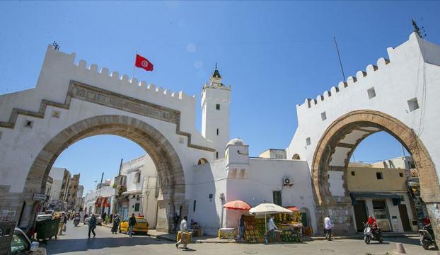 Tunus BAEnin Arap Baharı düşmanlığının kıskacında