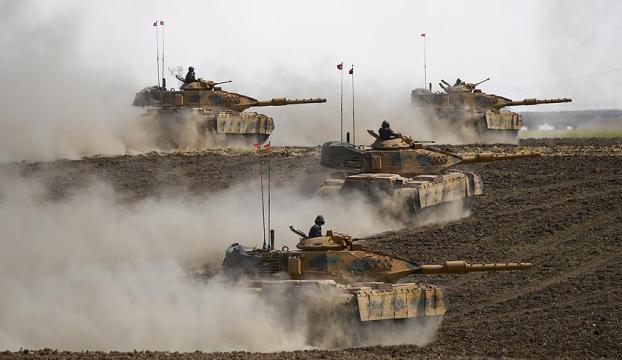 Türk ve Irak askerleri Halil İbrahim Sınır Kapısında