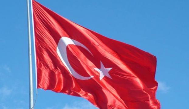 Türk bayrağını indiren şahıs yakalandı