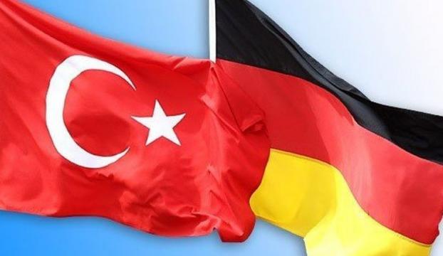 """Türkiye-Almanya ilişkilerinde """"çalkantılı dönem"""""""