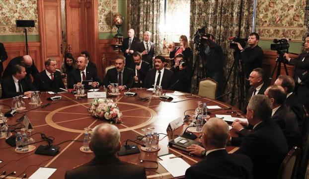 Türk ve Rus heyetlerin, Libyada kalıcı ateşkes için Moskovadaki görüşmesi başladı