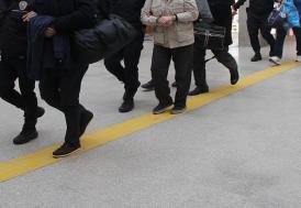 """Menemen Belediyesindeki """"zimmet ve irtikap"""" iddialarıyla ilgili Başkan Serdar Aksoy ile 10 kişi tutuklandı"""