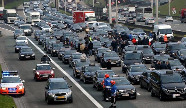 "Belçikada ""Uber"" protesto edildi"