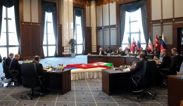 Üçlü Zirve Sonrası İran Cumhurbaşkanı Ruhaninin açıklamaları