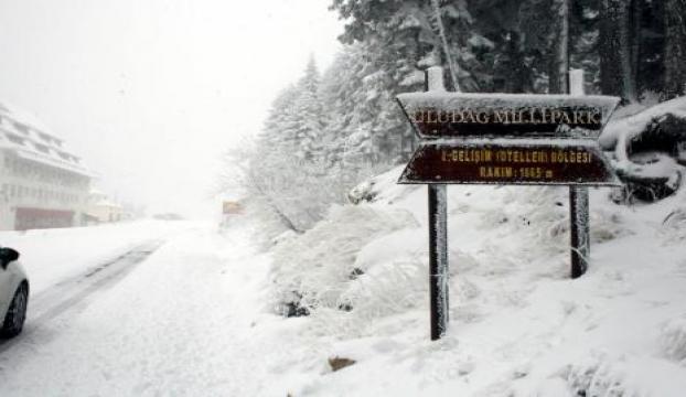 Uludağda kar kalınlığı yarım metreyi geçti