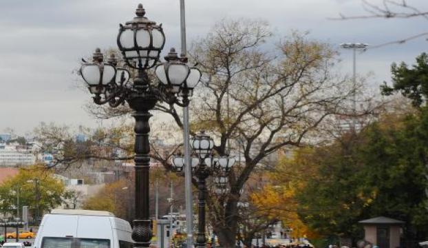 Ulusa led aydınlatmalı dekoratif aydınlatma direkleri