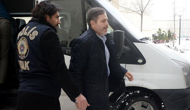 Uşak Üniversitesi Rektörü FETÖden tutuklandı