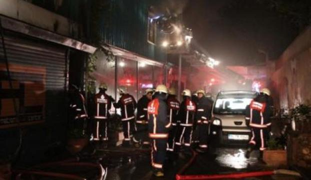 Üsküdarda Antikacılar sokağında yangın