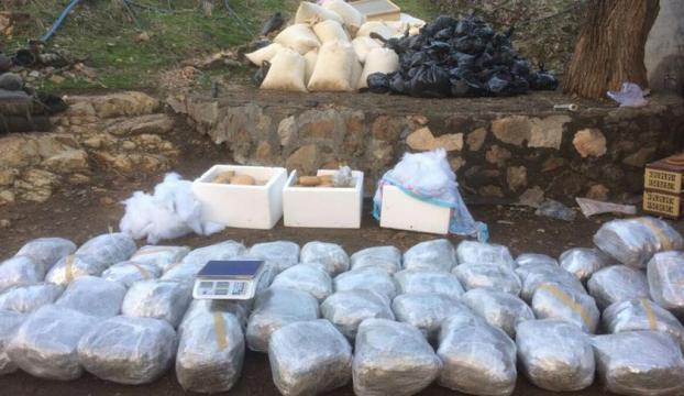 Diyarbakırda terör operasyonunda 4 bin 842 kg uyuşturucu ele geçirildi