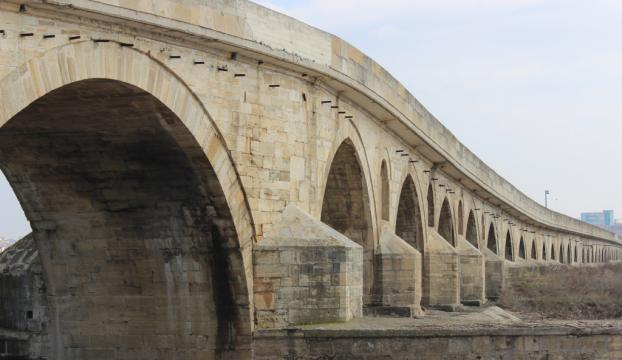 Tarihi köprünün uzunluğu tekrar ölçülecek