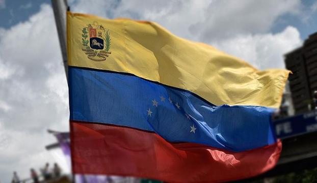 """""""3 milyon Venezuelalı çöpten besleniyor"""""""