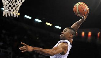 "Westbrook'tan NBA tarihine geçen ""triple double"""
