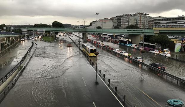 İstanbulda son yüzyılın en şiddetli yağmurları