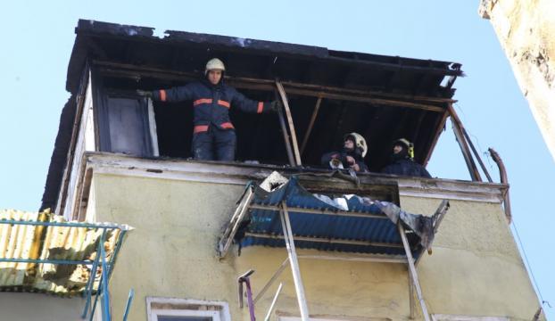 İstanbulda bir evde yangın çıktı : 3 çocuk can verdi
