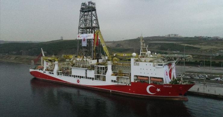 """""""Yavuz"""", Akdeniz'e doğru yola çıktı"""