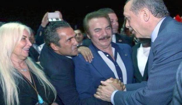 AK Partiyi övdü yemediği küfür kalmadı