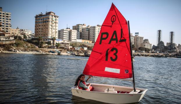 Gazzenin küçük yelken sporcusu