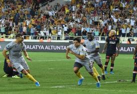 Başakşehir Malatyaspor'a farklı yenildi
