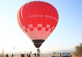 Bakan Varank ilk yerli balon ile uçtu
