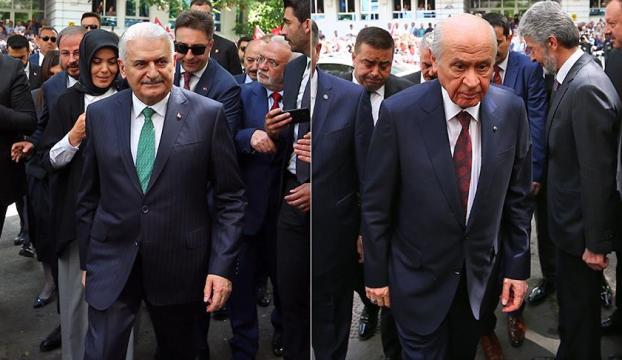 Yıldırım ile Bahçeli, Erdoğanın adaylığı için YSKye başvurdu