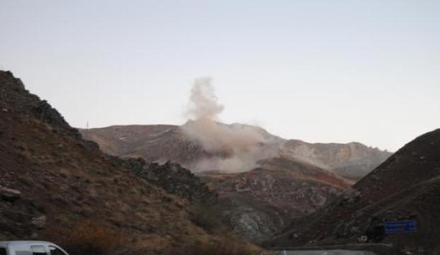Yüksekovada dağdaki patlama kamerada