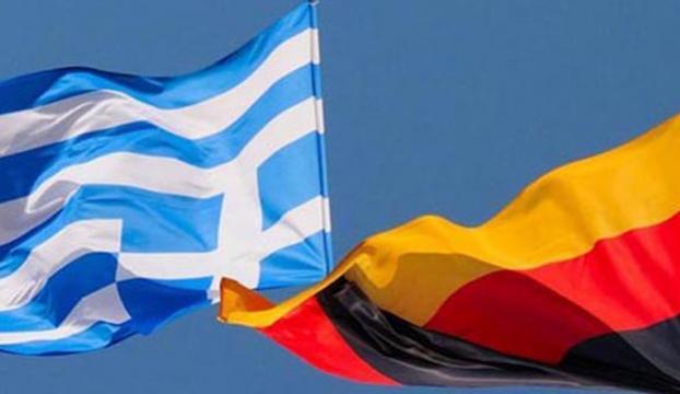 """Yunanistandan Almanyaya """"akıl dışı talep"""" çağrısı"""