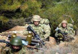 Afrin'de 18 terörist bölge halkı tarafından teslim edildi