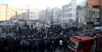 Zeytinburnu'nda bina çöktü: 1 ölü