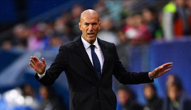 Real Madrid Teknik Direktörü Zidaneın Kovid-19 testi pozitif çıktı