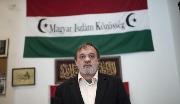 Macaristanda müslümanlar FETÖ okullarından çocuklarını aldı