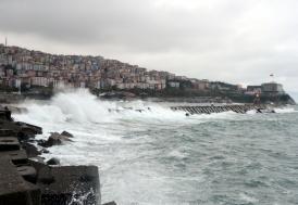 Doğu Karadeniz'de kuvvetli fırtına uyarısı